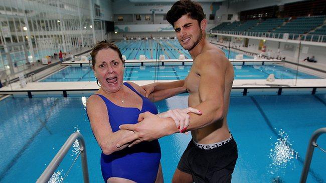 What a Dive:  Celebrity Splash Sinks