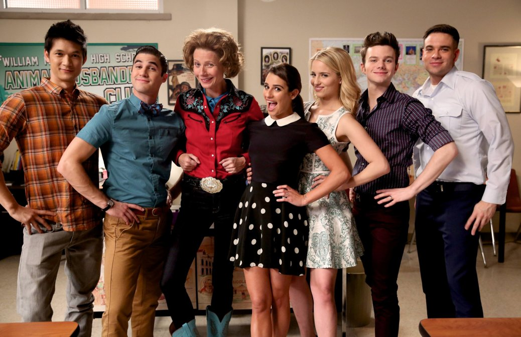 S5+Ep13+Harry+Shum,+Jr+as+Mike,+Darren+Criss+as+Blaine,+Gwyneth+Paltrow+as+Holly+Holliday,+Lea+Michele+as+Rachel,+Dianna+Agron+as+Quinn,+Chris+Colfer+as+Kurt+and+Mark+Salling+as+Puc