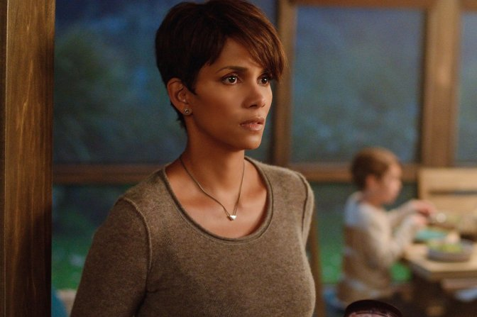 EXTANT+Pilot,+Halle+Berry+(Molly+Woods)+(2)