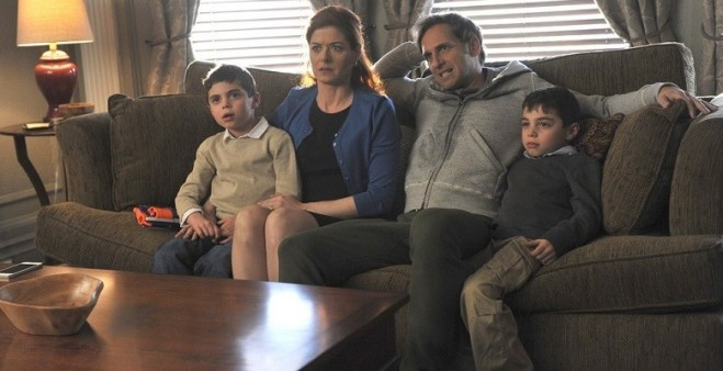 Debra Messing and Josh Lucas star in the new Mysteries of Laura
