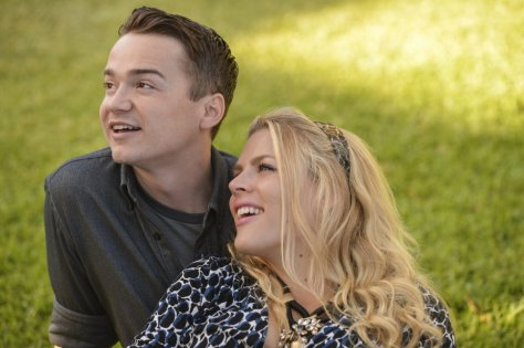 Dan Byrd and Busy Phillipps return for more fun on Cougar Town