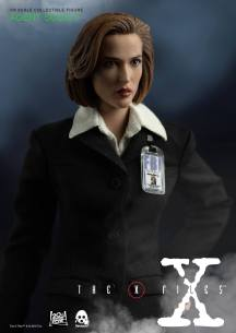 ThreeZero-X-Files-Agent-Scully-003