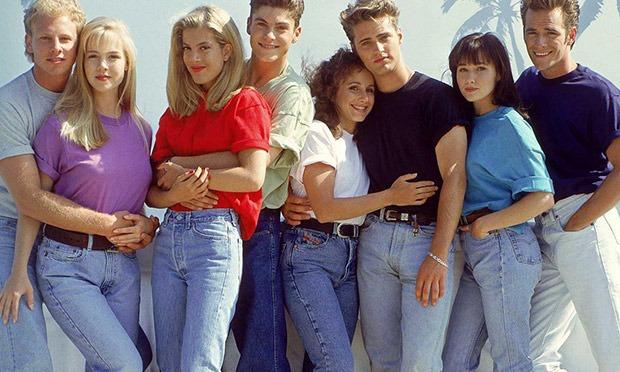 90210's original bad girl is back!